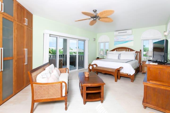 Fountain Garden View 2 Bedroom 2 Bath - Shoal Bay - Condominium