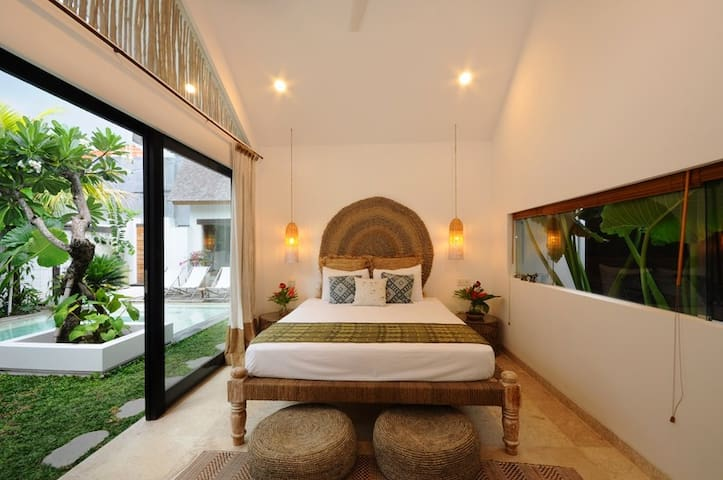 Bungalow2 VillaOceans. Luxury in Canggu, Bali