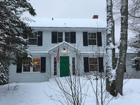 Cozy Home on Mirror Lake Drive
