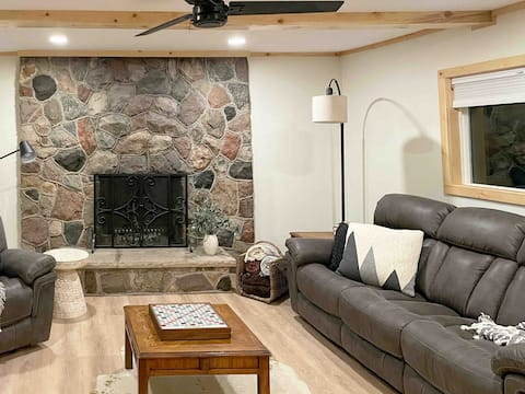 NEW! The BL Cottage - Cozy, Modern Lake Home