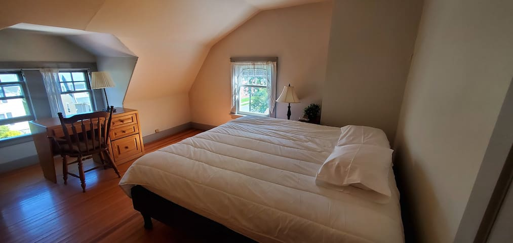 Private king room, sleep number bed, no extra fees