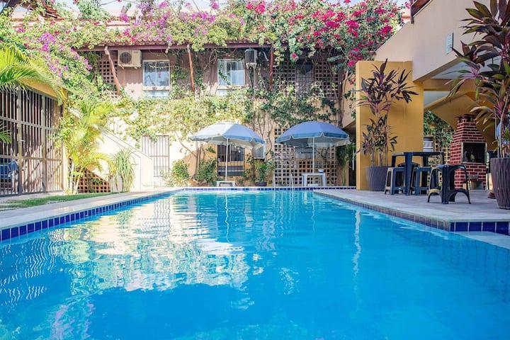 Flat Enseada dos Corais (2 quartos) Condomínio com piscina
