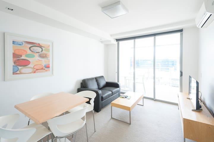 Modern 1 bedroom unit, Unique space and convenient