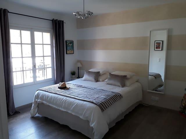 Beau studio avec piscine Golfe de St-Tropez