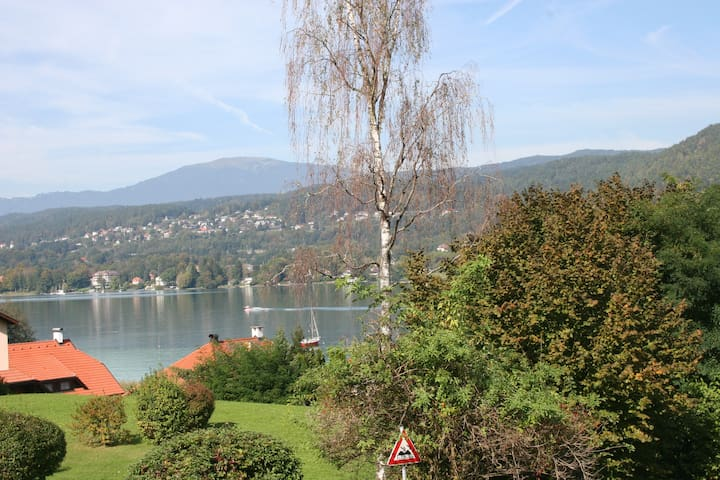 Modern apartment with specatular view of the lake - Velden am Wörthersee - Selveierleilighet