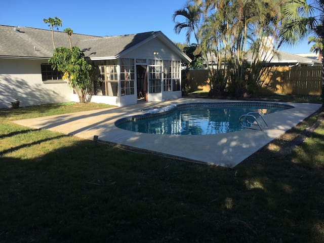 Private Pool Home! Fall special 20% off!