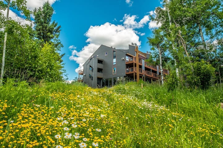Caribou Highlands Alpine 115A is a Cozy Lutsen Vacation Condo Located at Caribou Highlands Lodge in the Superior National Forest