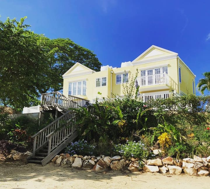 Luxury Beachfront/Oceanfront home in Negril