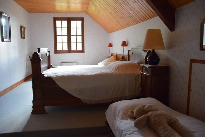 Driepersoonskamer in het Gele Huis bij het Kasteel