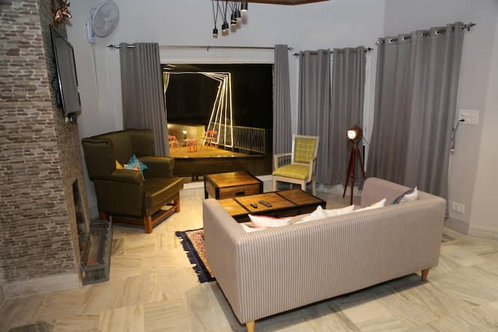 Luxurious 2BHK Private Serviced Villa with Terrace