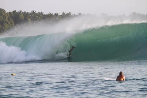 Mentawai-SurfCamp