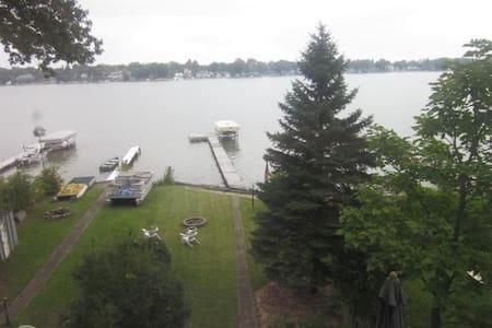 Cottage On Eagle Lake - Lakefront - Edwardsburg