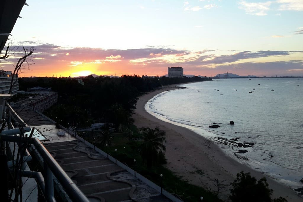 Full balcony for sunrise