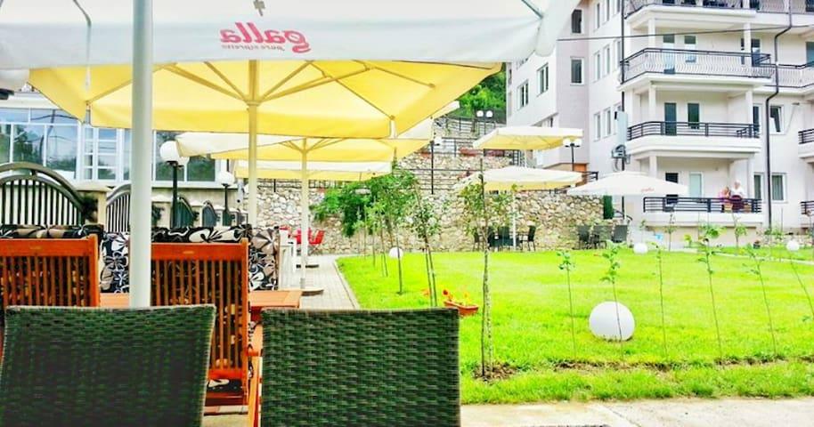 Vila Tigani - Prishtinë - Bed & Breakfast