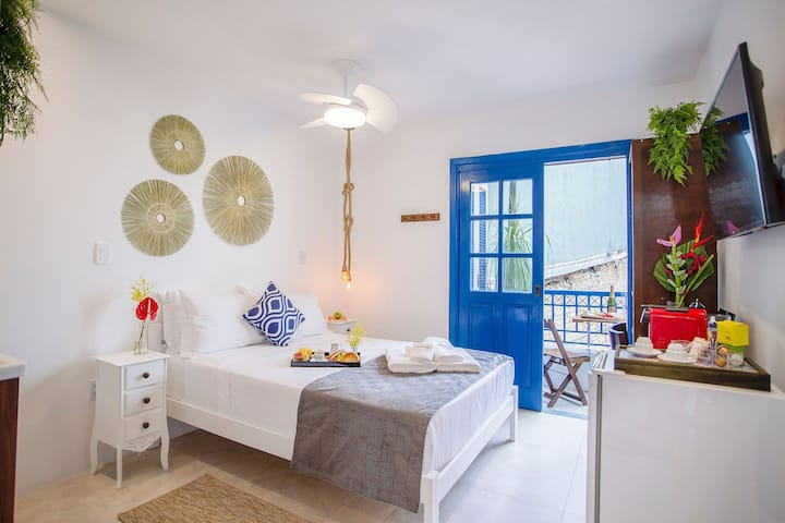 Charming Greek Style Studio great location 12