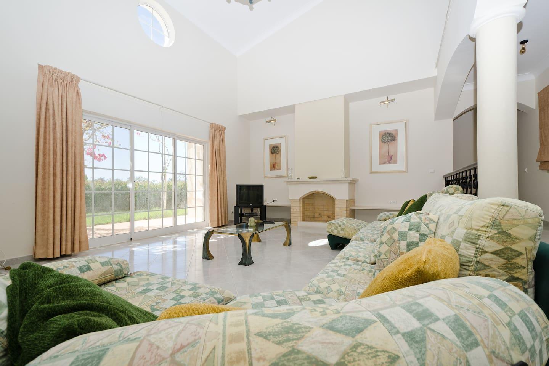 Spacious villa in Vilamoura