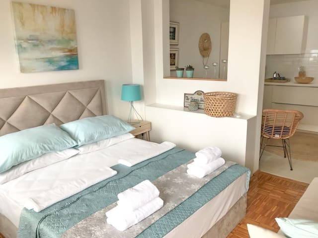 Oprna Apartment - Sunshine Residence