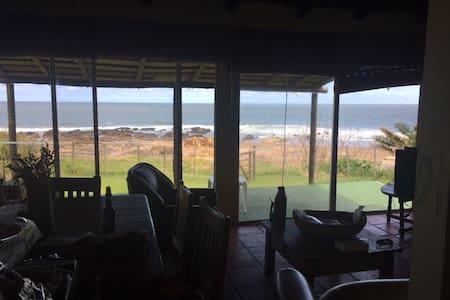 CASA EN PLAYAVERDE, SOBRE LA PLAYA EXCELENTE VISTA - Playa Verde