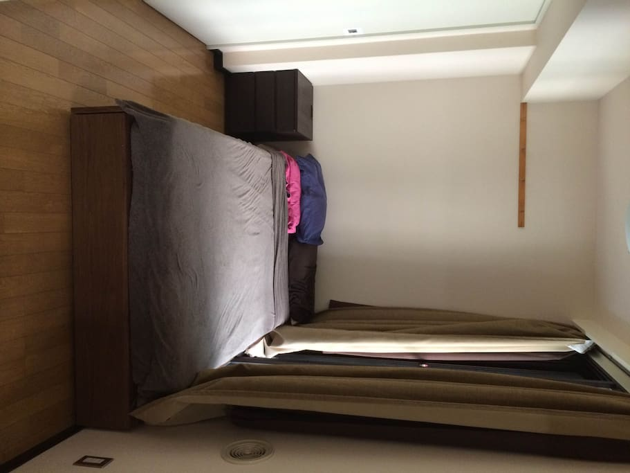 Bedroom, semi-double bed