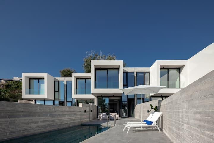 Sunset Park Villa I Modern 2-bdrm villa with pool