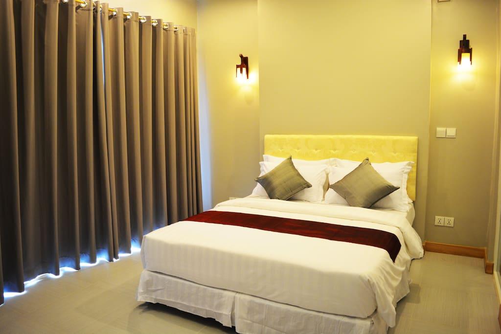 superior room colina boutique chambres d 39 h tes louer phnom penh phnom penh cambodge. Black Bedroom Furniture Sets. Home Design Ideas