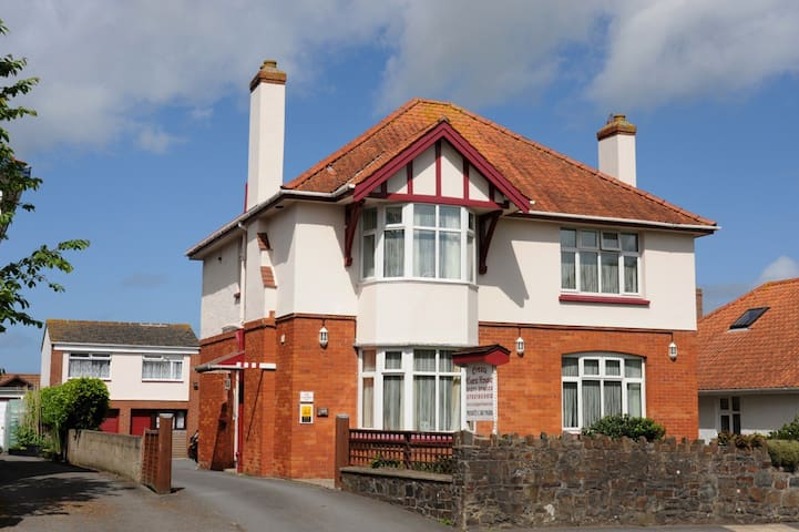 Cresta Guest House - Barnstaple - Bed & Breakfast