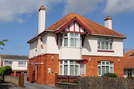 Cresta Guest House - Barnstaple