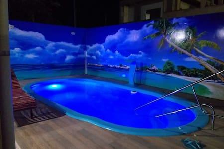 Casa de 5 quartos com piscina churrasqueira e wifi