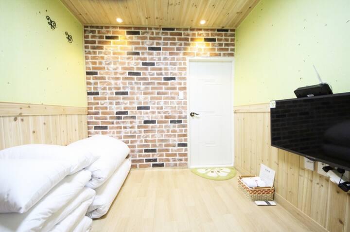善(선), 한옥마을의 현대식 커플 한옥 체험 객실