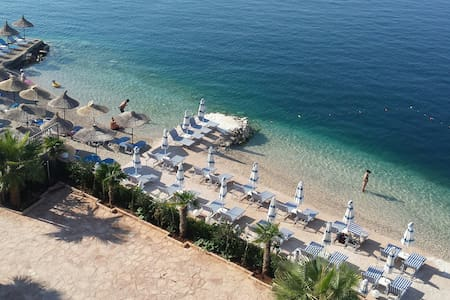 Beach flat, wonderfull sea view - Sarandë - アパート