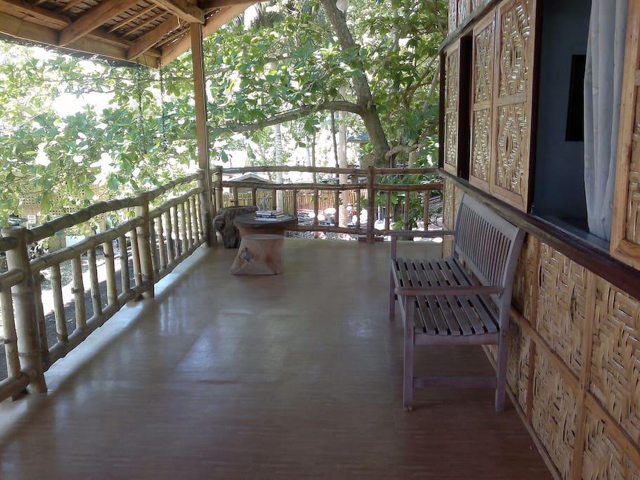 2nd floor veranda where bedrooms are located...