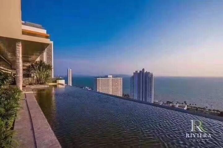 豪华芭堤雅一线海景公寓,正海景,在房间就可以看到大海旅游度假首选圣地配套高档,环境美丽