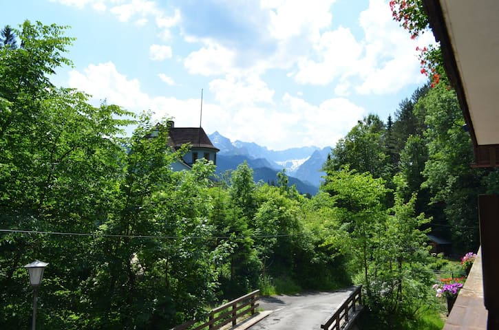 Hütt´l am Bach - Appartement - Garmisch-Partenkirchen - Apartamento