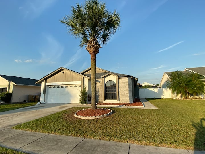 Disney Area 3 bedroom 2 bathroom with Private Pool