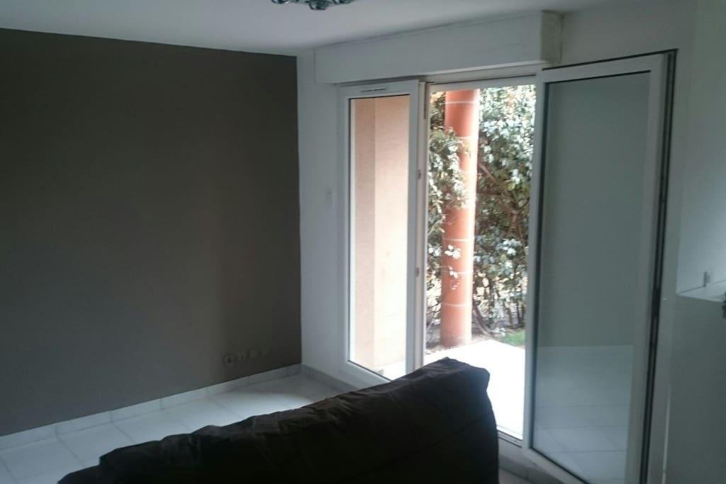 confortable studio toulouse appartements louer toulouse midi pyr n es france. Black Bedroom Furniture Sets. Home Design Ideas