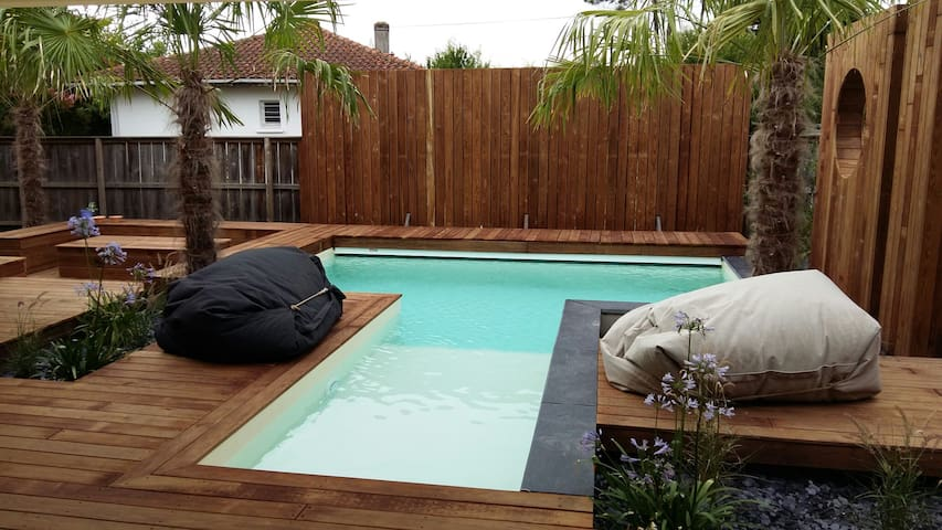 Villa with heated swimming pool and pool table