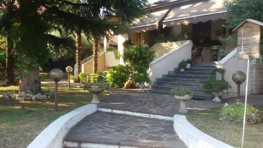 WOHNUNG IN PRIVAT VILLA - Desenzano del Garda - Apartment