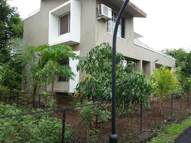 A home away from home! - Alibag - Villa