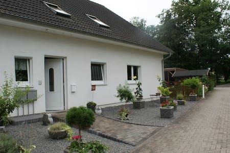 Gemütliche Ferienwohnung - Garbsen - Lejlighed