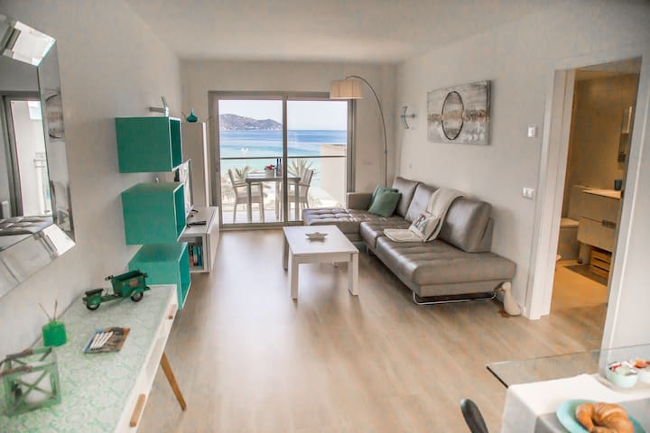 BEAUTIFUL BEACHFRONT APARTMENT  SCONTO OCT.