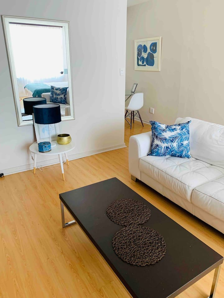 Charming Illovo Apartment