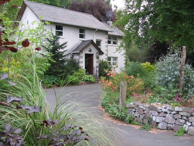 Grovewood House, Kirkbean, B&B.