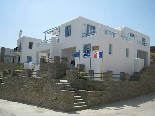 Karaoulanis  apartments in Chora - Andros - Byt