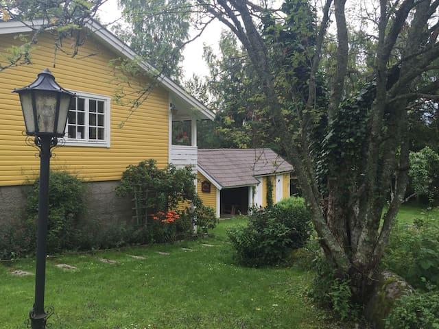 Cosy country house close to the sea - Nyköping - Cabin