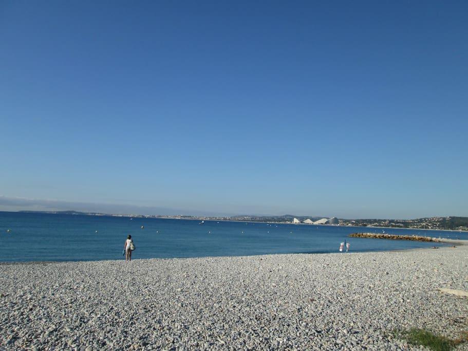 la spiaggia a meno di 100mt