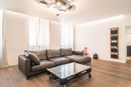 50sqm in the historic center - Apartment