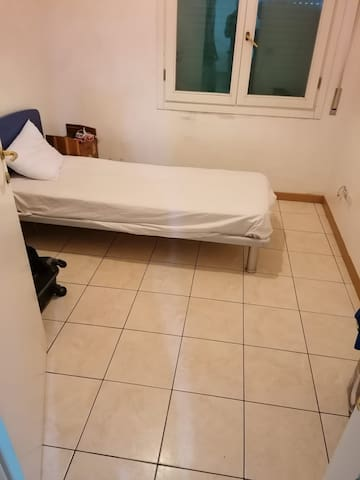 This is a small room for 1 guest with small price.