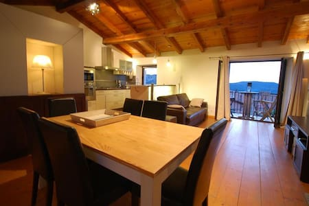 "Very nice apartment ""celu"" luxurious equipment, open views, 10 min from beaches, village atmosphere - Calenzana - Appartement"