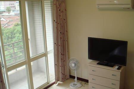 時尚雙人房,全新設備42吋LED液晶電視,獨立空調,歡迎您入住.