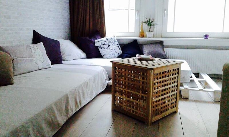 Private Bedroom in City Center - Amsterdã - Apartamento